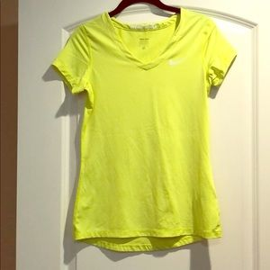 Nike Pro dri-fit Yellow Short sleeve top Sz M